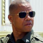 Cuba Gooding Jr. with Ray-Ban 3136 Caravan sunglasses in Linewatch