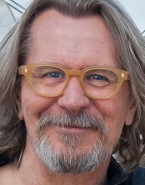 Actor Gary Oldman wears a pair of Old Focals Seeker eyeglasses in The Space Between Us.
