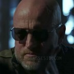 Woody Harrelson wears black RE Aviator sunglasses in War for the Planet of the Apes.