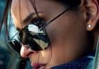 Adria Arjona wears Tom Ford Brad sunglasses in the Netflix movie 6 Underground (2019).