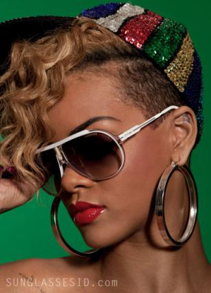 Rihanna is wearing a pair of Carrera Endurance sunglasses in the music video Rud