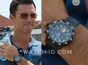Jeffrey Donovan (as Michael Westen) wears a Chase-Durer SF 1000XL UDT watch in B