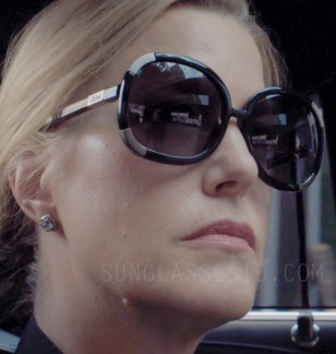 Anna Gunn wears Chloé Myrte CL2119 sunglasses in Equity