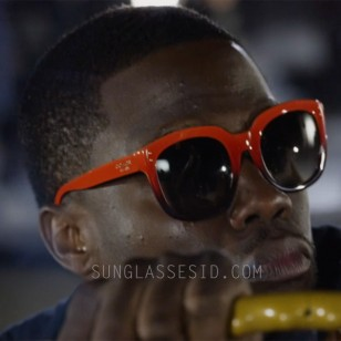 Kevin Hart wears Coach HC8047 L035 Casey sunglasses in the movie Ride Along 2.