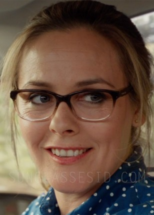 Alicia Silverstone wears Coach HC6089 eyeglasses in Diary of a Wimpy Kid: The Long Haul.