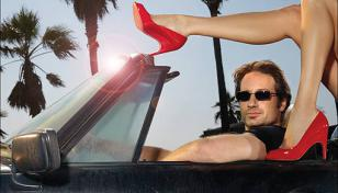 David Duchovny in his Porsche wearing Izod 725 sunglasses in the series Californ