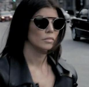 Fergie wearing the sunglasses in the Imma Be Rocking That Body music video