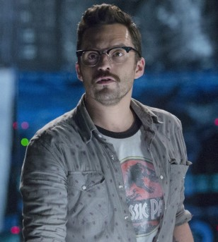 Jake Johnson wears Old Focals Historian eyeglasses in Jurassic World.