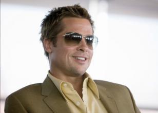 Brad Pitt wearing Oliver Peoples Strummer in the movie Ocean's Thirteen