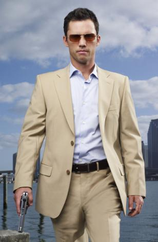 Jeffrey Donovan wearing Oliver Peoples Victory in the series Burn Notice