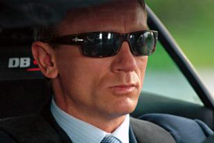 Persol 2720 worn by James Bond in Casino Royale