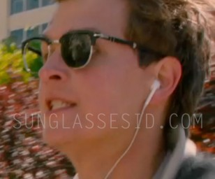 In this scene, where Ansel Elgort is running, the right lens of the Persol sunglasses is missing
