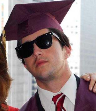Josh Peck wearing Ray-Ban 2140 Wayfarer sunglasses in the movie The Wackness