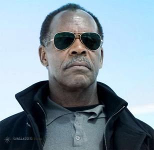 Danny Glover wearing Ray-Ban 3025 Aviator sunglasses in Shooter