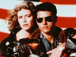 Tom Cruise wearing Ray-Ban 3025 sunglasses in Top Gun