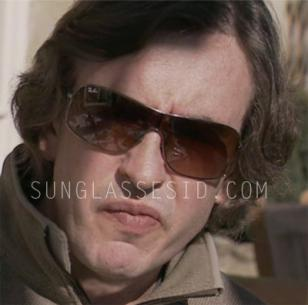 In the 2011 film The Trip, Steve Coogan wears a pair of Ray-Ban 3341 sunglasses.