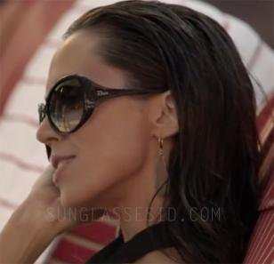 Patricia Holm (played by Eliza Dushku) wears a pair of Dior Cocotte sunglasses i