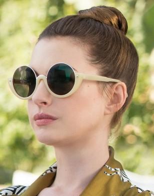 Anne Hathaway wears Marni ME614S round semi-rim sunglasses in The Hustle.