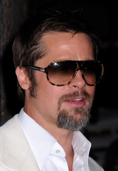 dd3c7f26868 Brad Pitt wearing Versace 4153 sunglasses at the premiere of The Time  Travelers Wife