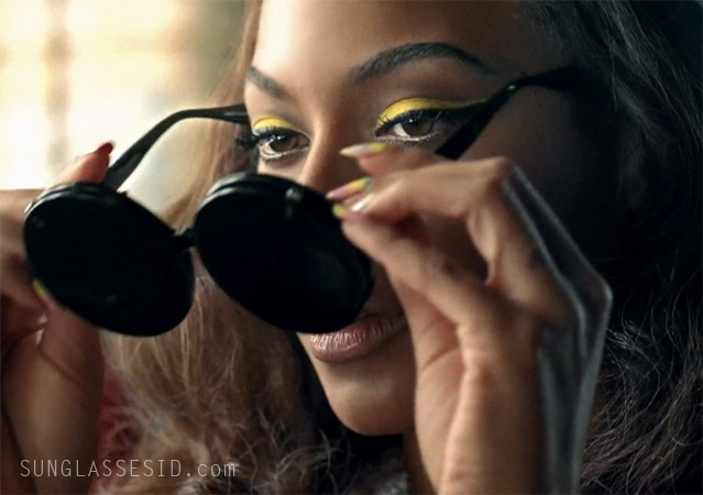 aac01275345 Beyonce with Linda Farrow Jeremy Scott Mickey Mouse sunglasses in the music  video Telephone