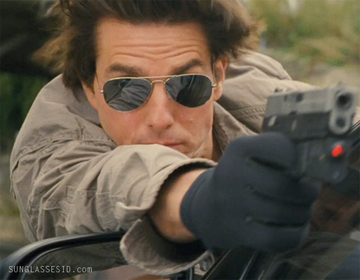 1bc66408bd Tom Cruise sporting Ray-Ban 3025 Aviator mirror sunglasses in the movie  Knight and Day