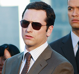 ray ban 3136  matthew rhys with ray ban 3136 caravan sunglasses in brothers and sisters